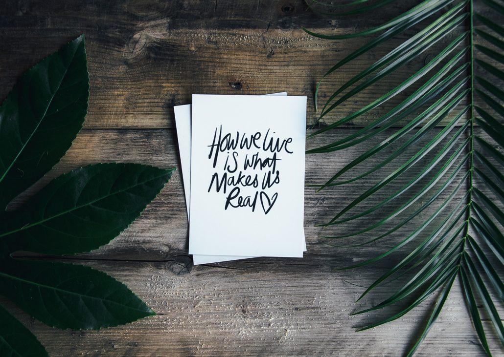 nachhaltige DIY Postkarten mit Pflanzen